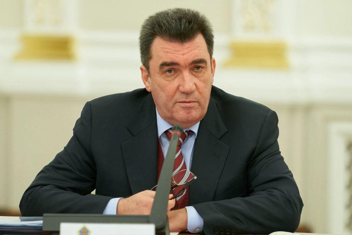 """Данилов поддержал отказ Украины от кириллицы: """"Одна из фундаментальных вещей"""""""