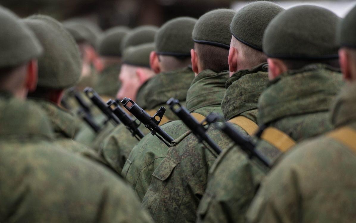 """Азербайджан недоволен участием российских военных в параде в Ханкенди: """"На базах пусть закроются"""""""
