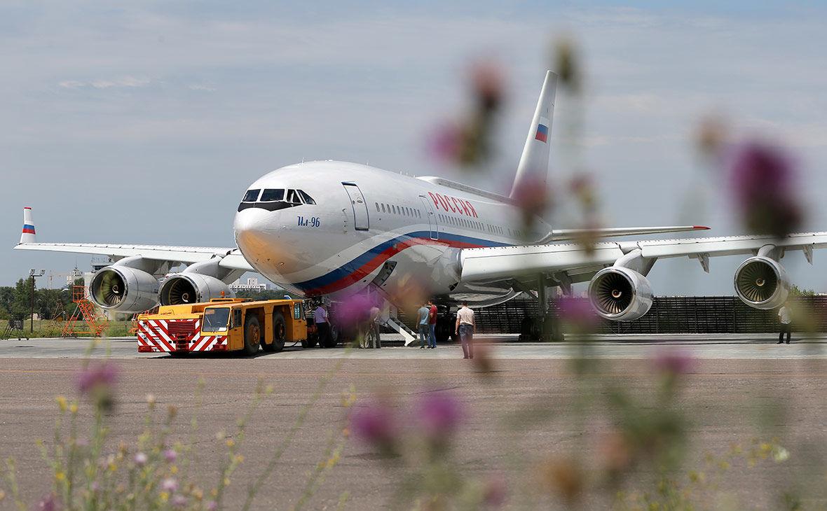 """После угроз Путина """"врагам"""" в России строят самолет для эвакуации Кремля на случай войны"""