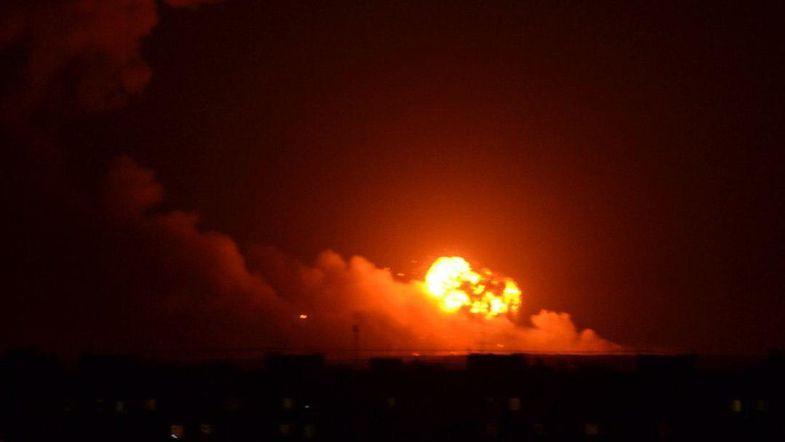 """""""Взрывы в Калиновке - совершенно очевидная диверсия"""", - блогеры и журналисты считают, что Россия устроила очередной теракт в Украине"""
