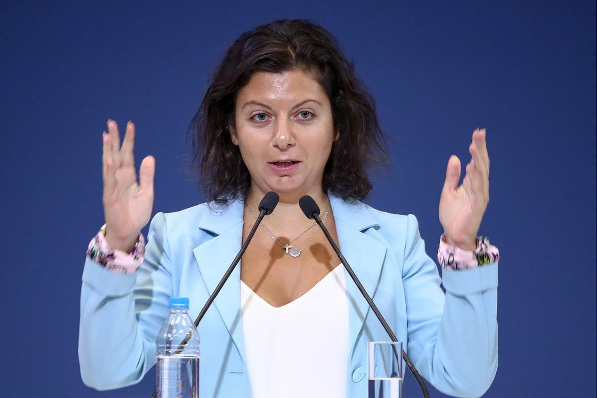 """Facebook заблокировал аккаунты пропагандистов Sputnik c """"новостями про Украину"""": Симоньян требует объяснений"""