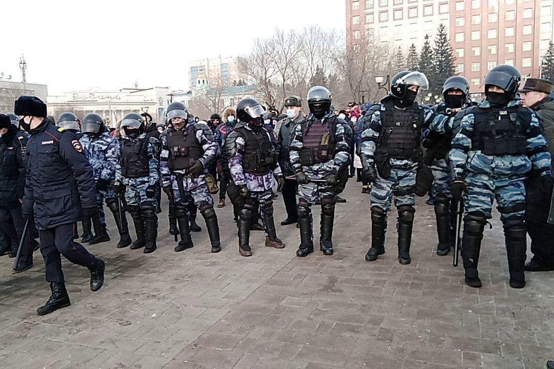 """В Чите полиция перешла на сторону народа - протестующие скандируют: """"Молодцы"""", видео"""
