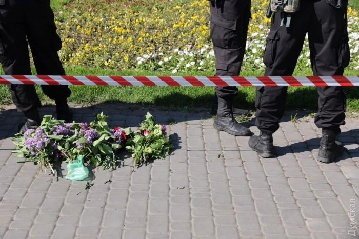 Первые стычки между полицией и активистами на Куликовом поле в Одессе