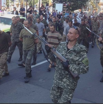 Минобороны Украины: в ДНР собирались расстрелять одного военнопленного за пытки повстанца