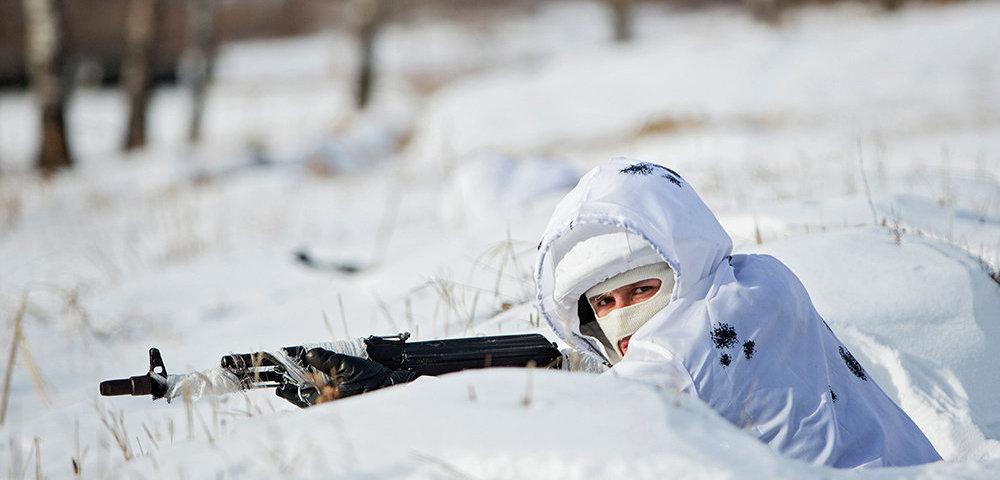 """Колонна """"ихтамнетов"""" в зимней маскировке покинула Дебальцево: местные жители опасаются обострения на фронтах"""
