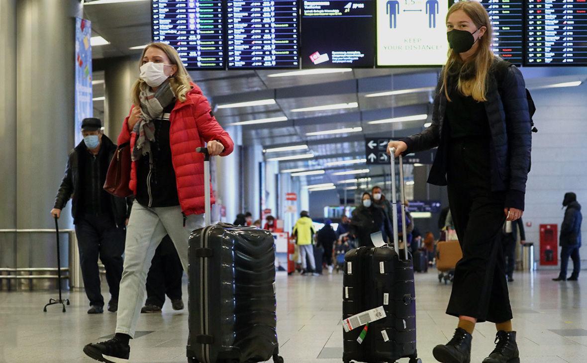 Куда украинцы могут полететь на отдых без ПЦР-теста: озвучен список стран