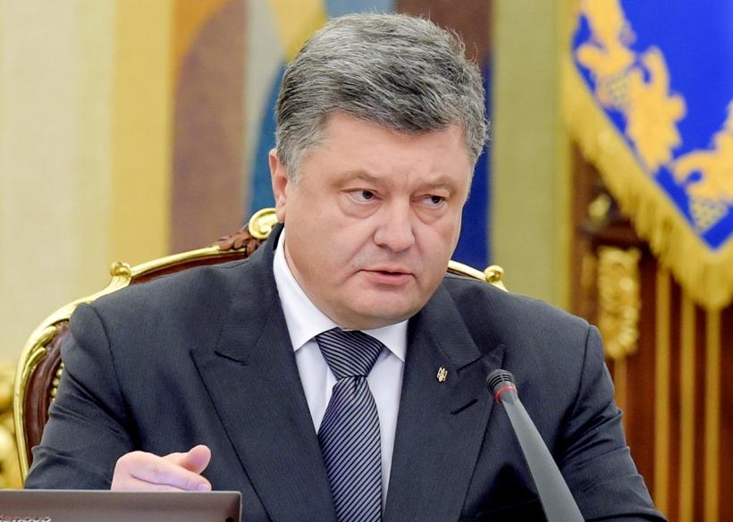 Голобуцкий доходчиво объяснил, чем Порошенко отличается от кандидатов-популистов: никто другой этого не делает