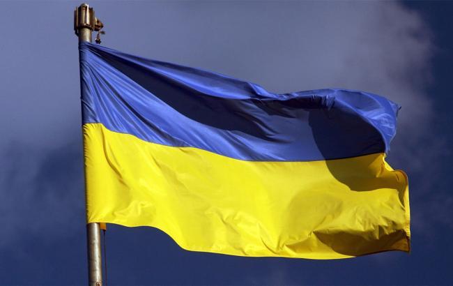 """Оккупированный Должанск хочет назад в Украину: соцсети показали кадры, как анонимные жители ночью украсили город в """"ЛНР"""" украинскими флагами"""