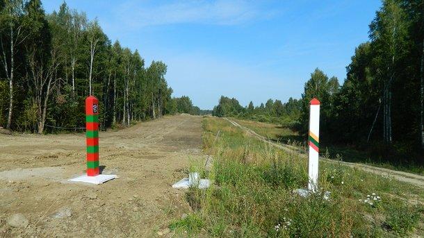 Безопасность ценой в €1,335 млн: Литва официально начала возведение 45-километровой стены на границе с Россией для защиты от агрессора