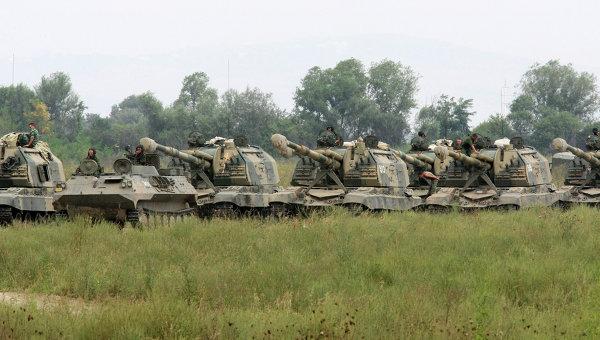 """Кремль в очередной раз """"наплевал"""" на все международные нормы: российские оккупанты устроили масштабные танковые стрельбища в аннексированном Крыму"""