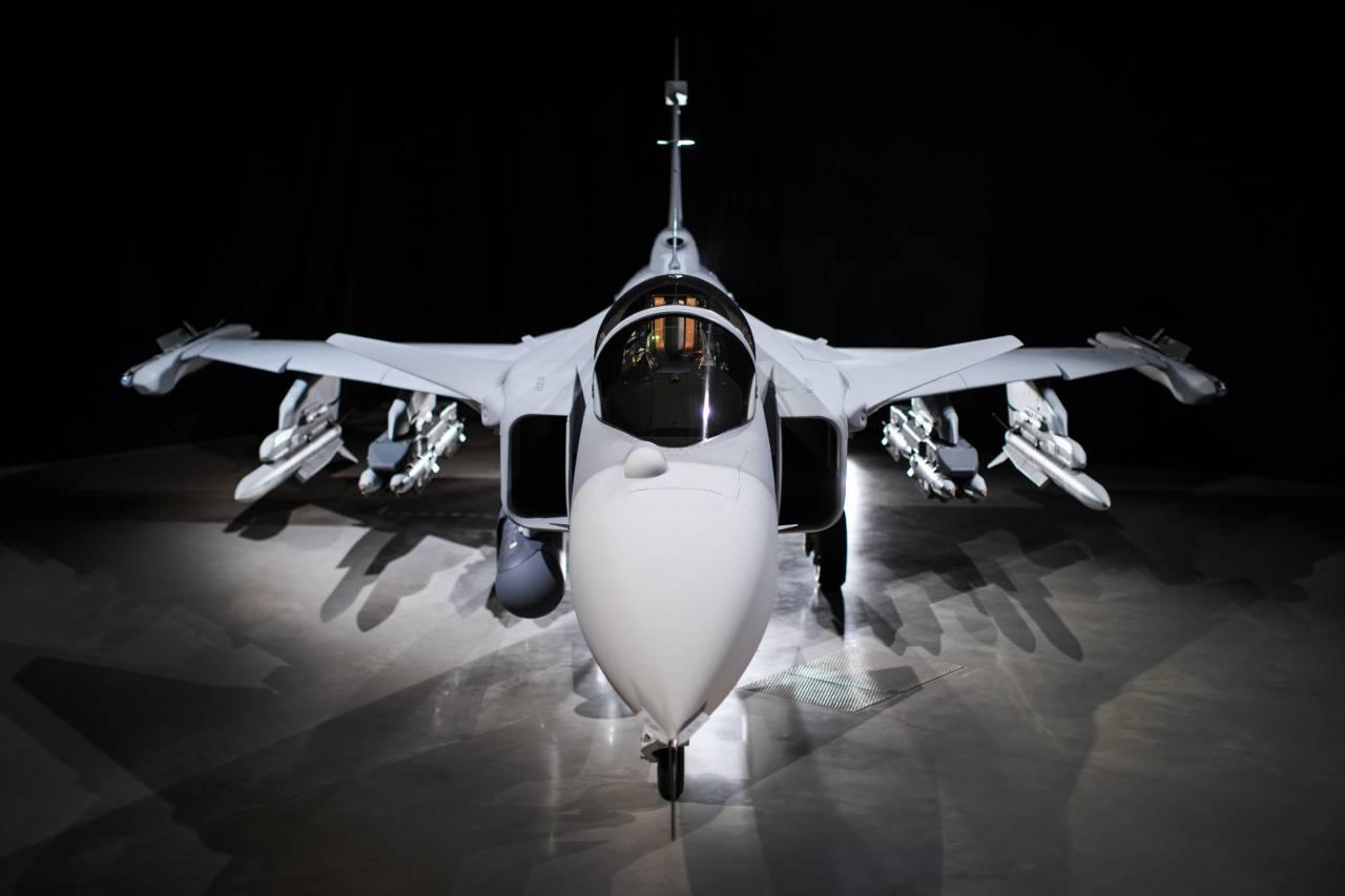 Gripen E, Швеция, новости, военное обозрения, самолет Су, истребитель, Россия, ВМС