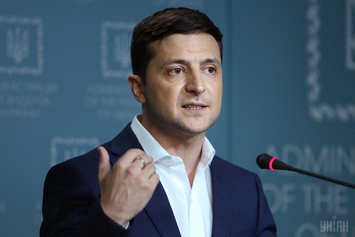 Зеленский открыто выступил против кума Путина Медведчука и NewsOne