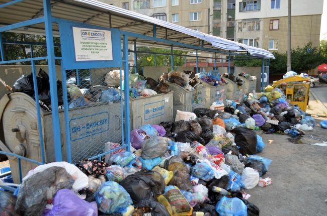 Садовой согласился отдать 300 млн грн, чтобы не допустить эпидемии: Синютка сообщил, когда Львов очистится от мусора