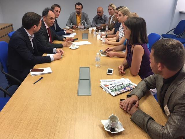 Посол Евросоюза Мингарелли попросил украинцев ускорить процесс борьбы с коррупцией: позиция ЕС является неизменной