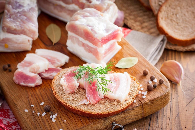 """Развенчаны мифы о еде: семь """"вредных"""" продуктов, которые полезны для здоровья"""