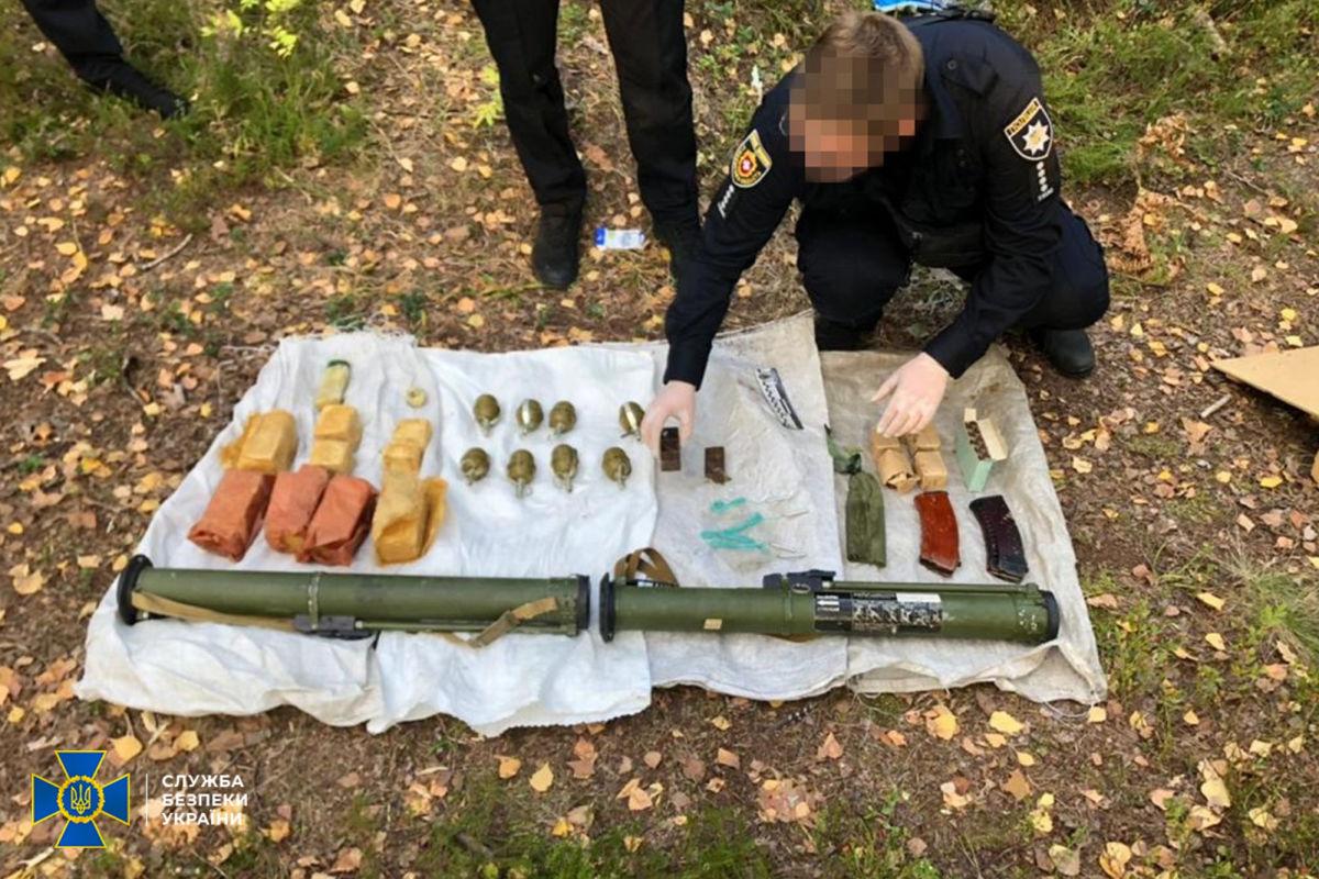 Учения СБУ прошли не впустую: на границе с Беларусью найден реальный схрон со снарядами