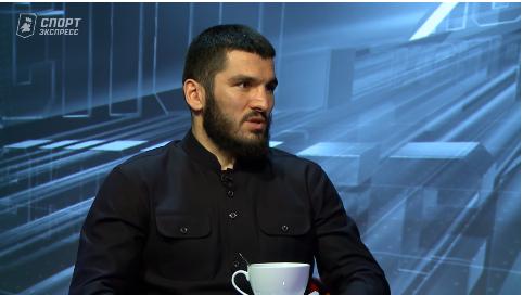 Боксер Бетербиев, недавно победивший Гвоздика, решил унизить и Усика