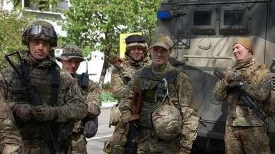Полк 'Азов' вышел на улицы Одессы: в городе началось предпраздничное патрулирование