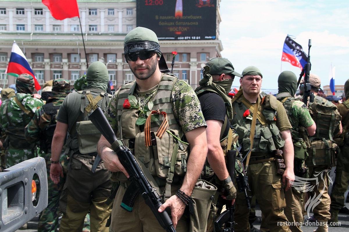 В ночь с 25 на 26 мая 2014 года предатель-СБУшник завел в Донецкий аэропорт российскую ДРГ