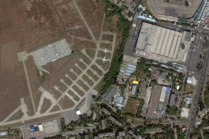 Захват территории военного аэродрома в Одессе: украинские военные рассказали, как ответят рейдерам на атаку - кадры