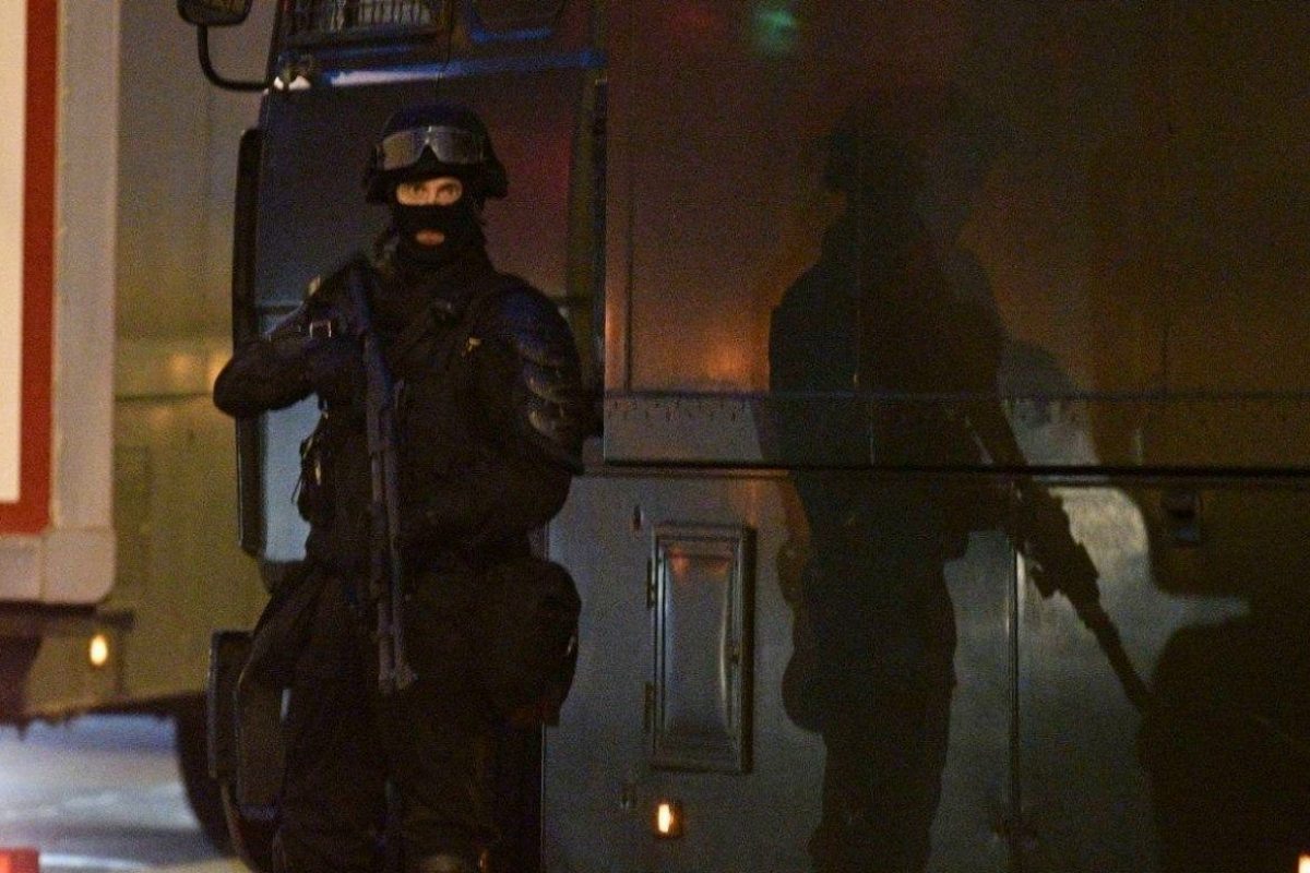 """""""Это похоже на войну"""", - в Минске силовики забрасывают протестующих гранатами и стреляют, много раненых"""