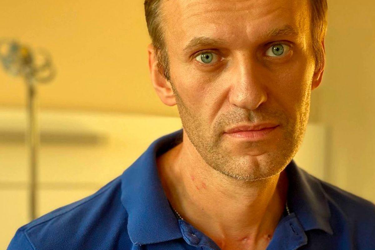 """В России проверяют """"на экстремизм"""" Коран из-за сидящего в колонии Навального"""