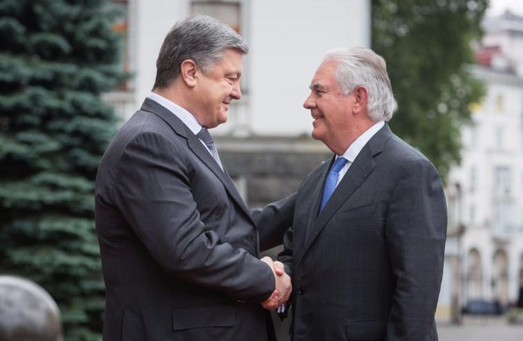 Порошенко поздравил Рекса Тиллерсона с первым официальным визитом в Украину – кадры