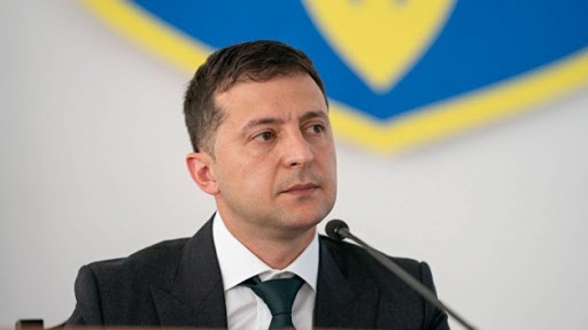 """""""Украина на перепутье"""", - Зеленский в обращении к украинцам заявил об угрозе дефолта, кадры"""