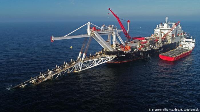 """Россия внезапно возобновила строительство """"Северного потока - 2"""" в водах Дании: """"Газпром"""" нашел способ достроить газопровод - СМИ"""
