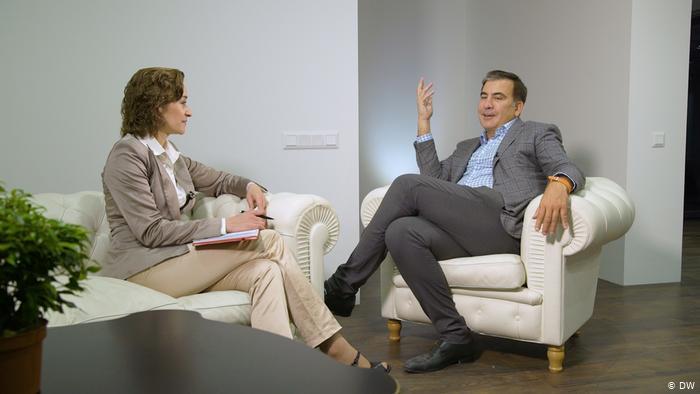 """""""Любимый персонаж Путина"""", - Саакашвили пояснил выдачу паспорта Зеленским"""