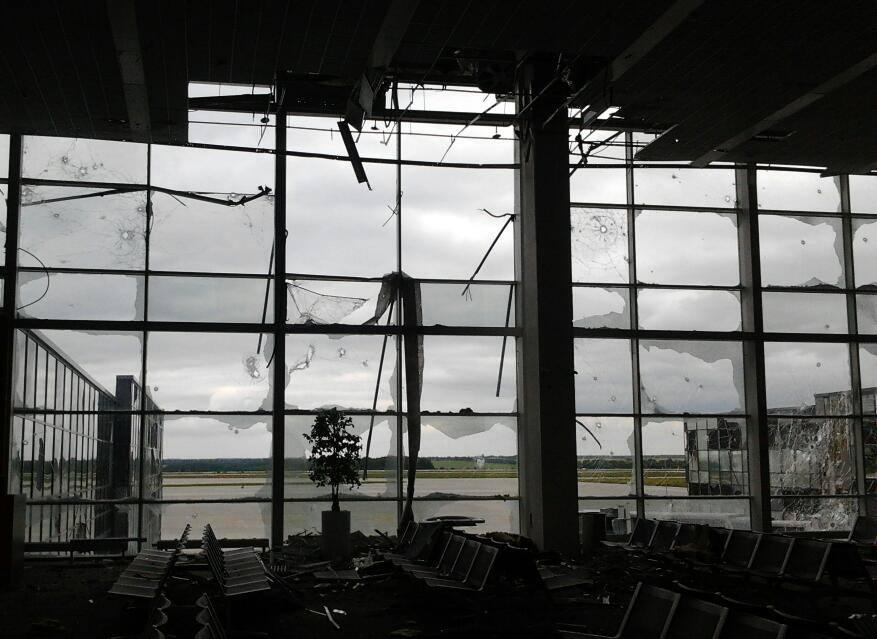 Как выглядит международный аэропорт в Донецке по состоянию на 28.07.2014