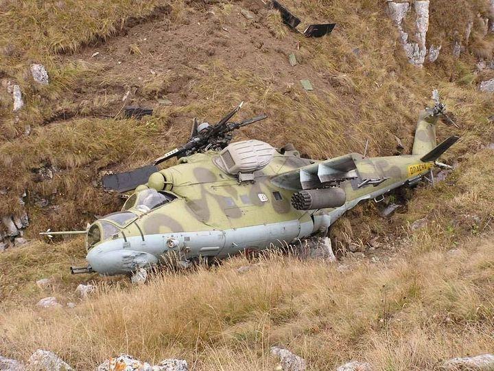 """В Сирии во время патрулирования упал ударный вертолет РФ """"Ми-35"""" - Мюрид заметил интересный момент"""