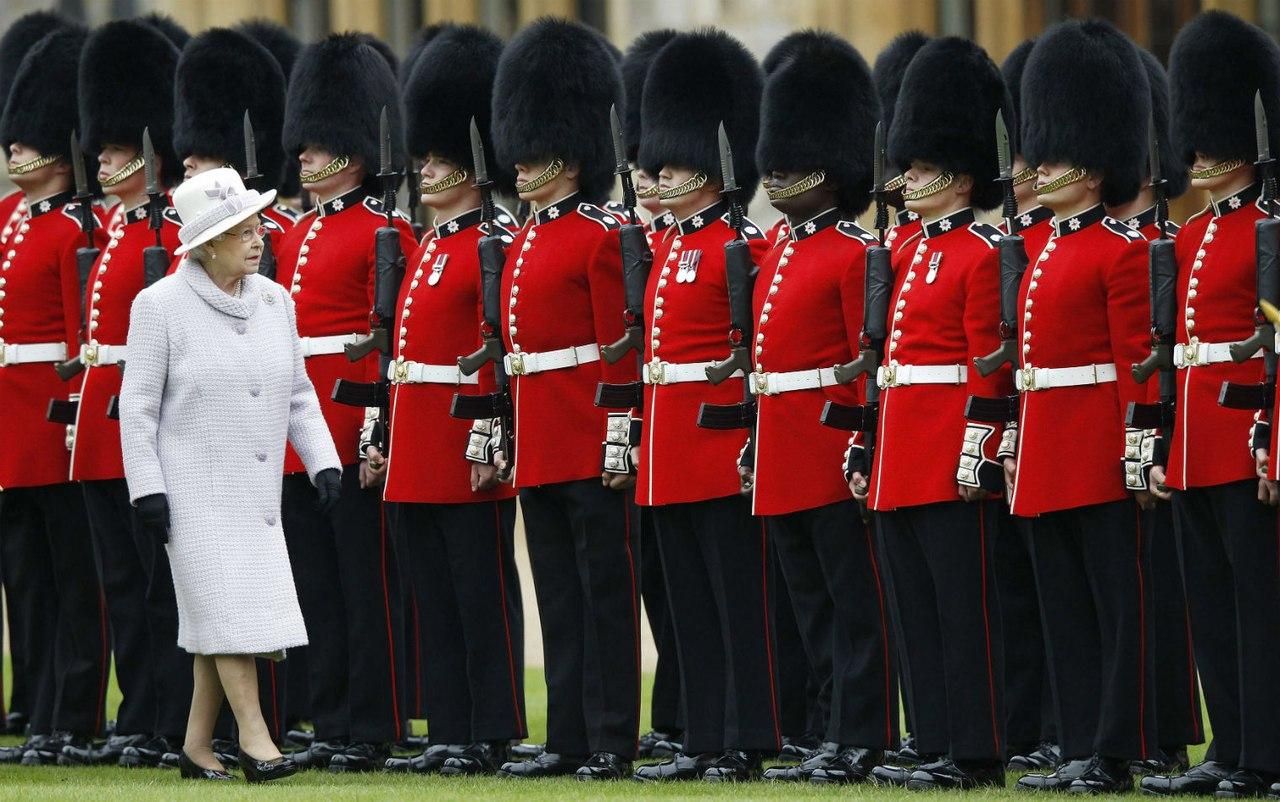 У гвардейца британской королевы Елизаветы II нашли 9 пакетов наркотиков