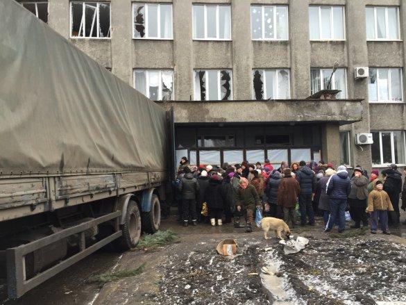 На подконтрольную боевикам территорию из Дебальцево выехало до 30 жителей - Шкиряк
