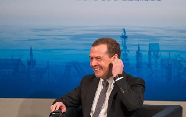 """Санкции не снимут, но вы там держитесь: до """"твиттер""""-премьера Медведева наконец дошло, что Кремль напрасно надеялся на Трампа"""