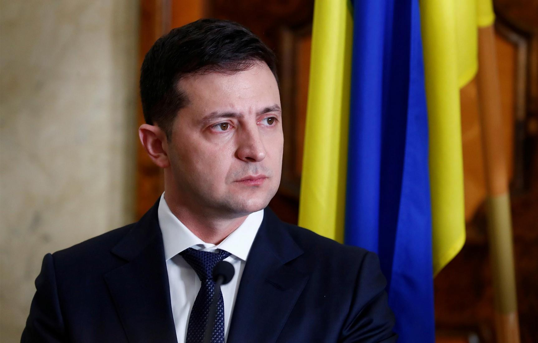 СМИ пояснили, зачем Зеленский увольняет Гончарука и меняет Кабмин