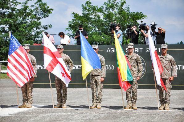 НАТО организовал новые учения у границ РФ - Грузия принимает 2,5 тысячи военных