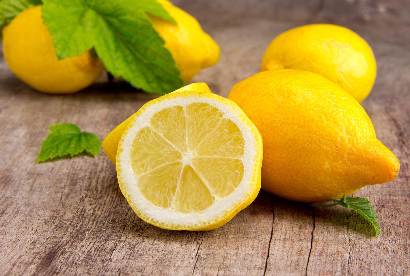 Полезно или опасно: что произойдет с организмом, если употреблять много лимонов