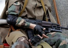 В Тельманово и Докучаевске неизвестные захватили здания милиции