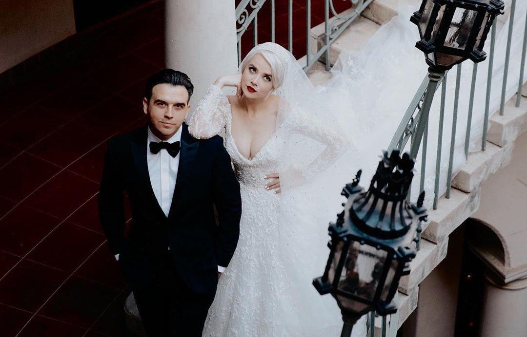 Мика Ньютон вышла замуж за американца, устроив роскошную свадьбу в сказочном замке