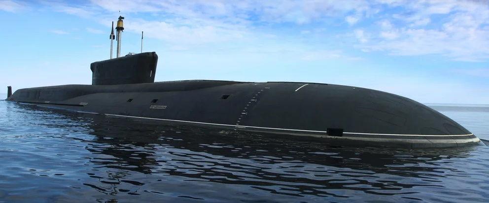 Подлодка РФ следила за проходом ударной группы Королевского ВМФ Британии в Средиземном море