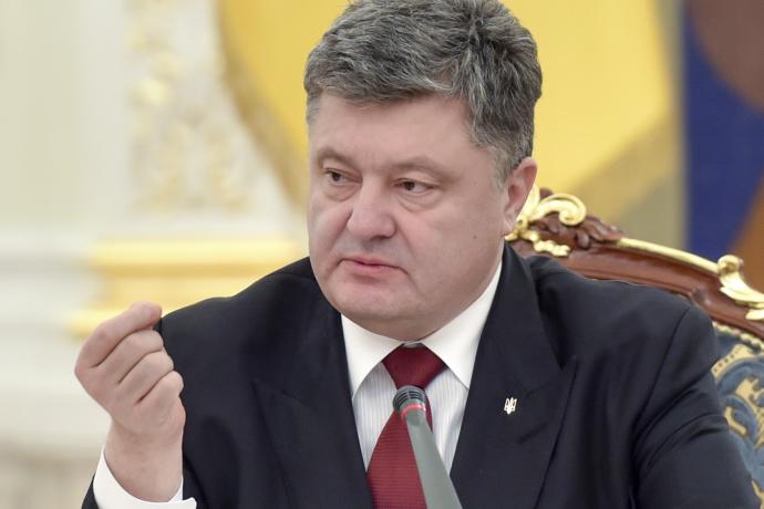 Порошенко о скандальной статье в New York Times: Это элемент гибридной войны против Украины