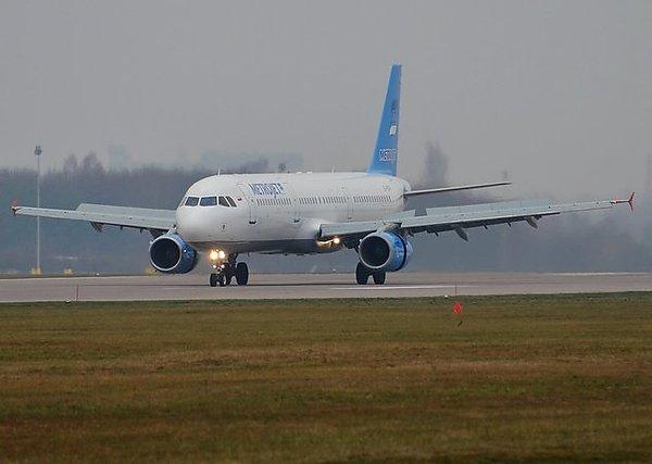 Пилот пассажирского самолета в Британии  потерял контроль над лайнером, после того как у него отвалилась искусственная рука