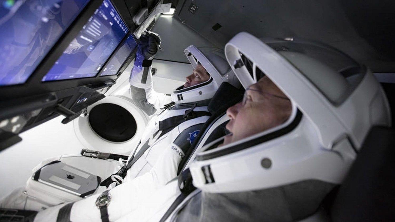 """""""Черный день"""" для Рогозина: компания Илона Маска запустила второй корабль Crew Dragon на МКС"""