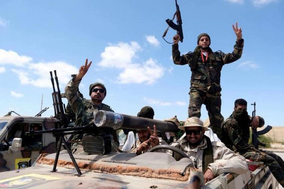 """Reuters: Россия при помощи """"Вагнера"""" усилила вербовку наемников в Сирии для ливийской войны"""