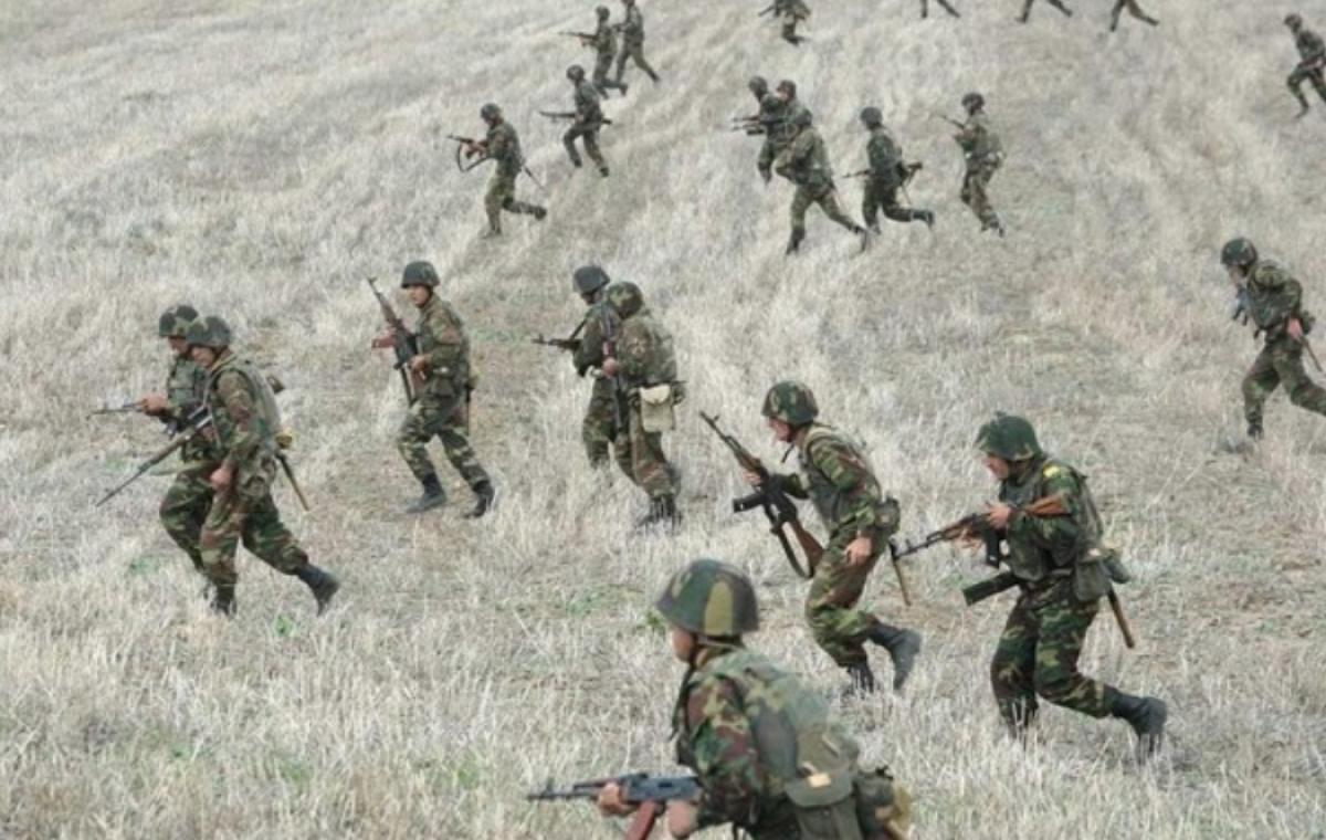 Армянский спецназ бросился в отступление с поля боя под натиском танков Азербайджана: появилось видео