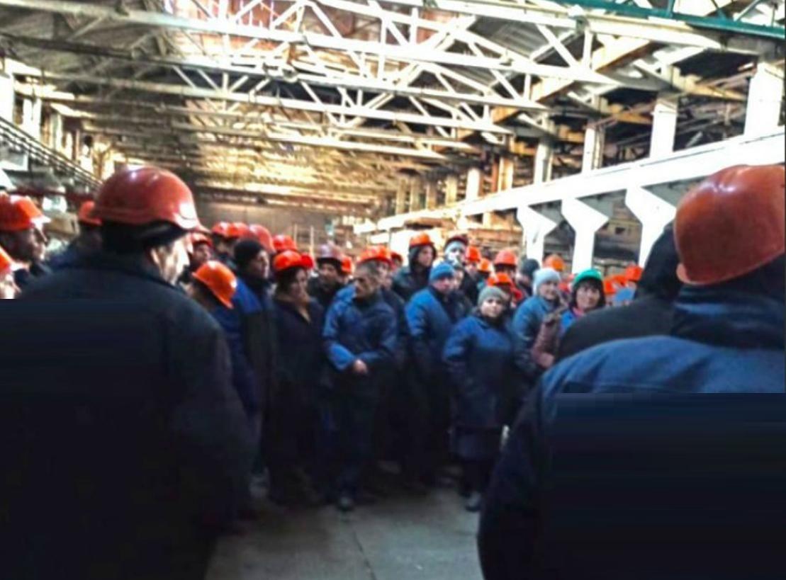 """В """"ДНР"""" остановлен крупный завод – рабочие устроили бунт: """"Мы выживаем на 300 рублей в неделю!"""""""