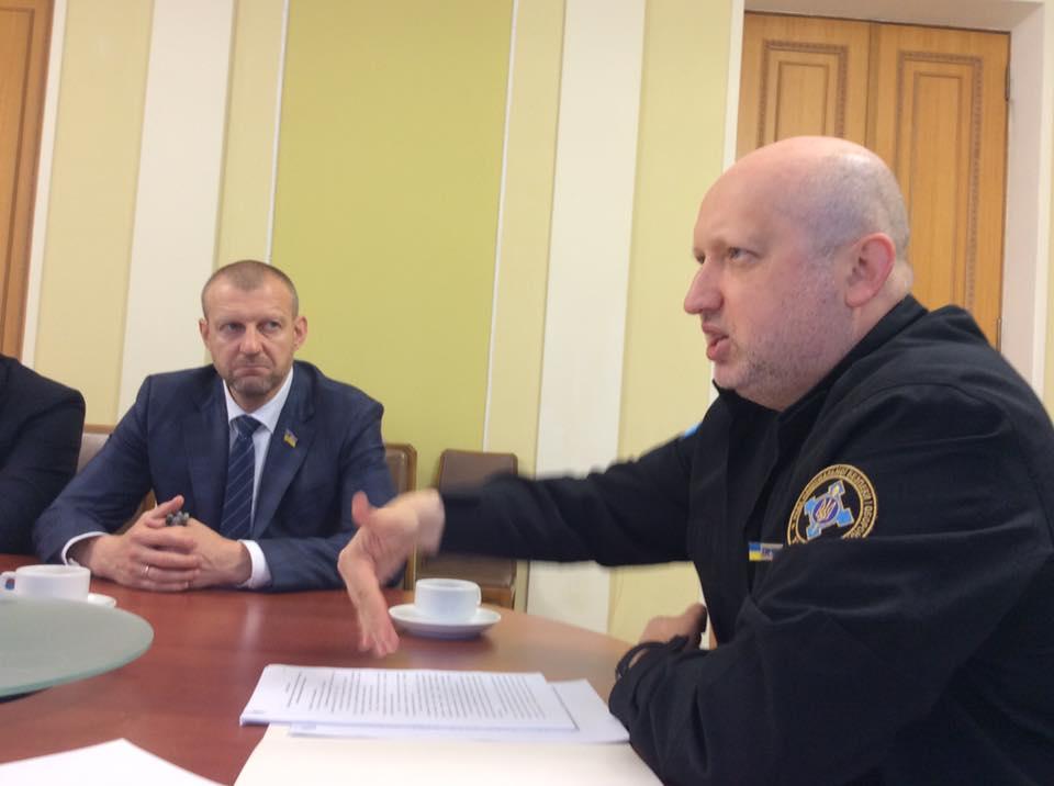 Дискуссия о законопроекте по пересмотру статуса АТО: Турчинов, советники Порошенко и нардепы пришли к единому важному решению - Геращенко