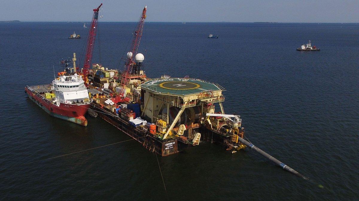 """""""Газпром"""" провалил план по достройке """"Северного потока - 2"""""""