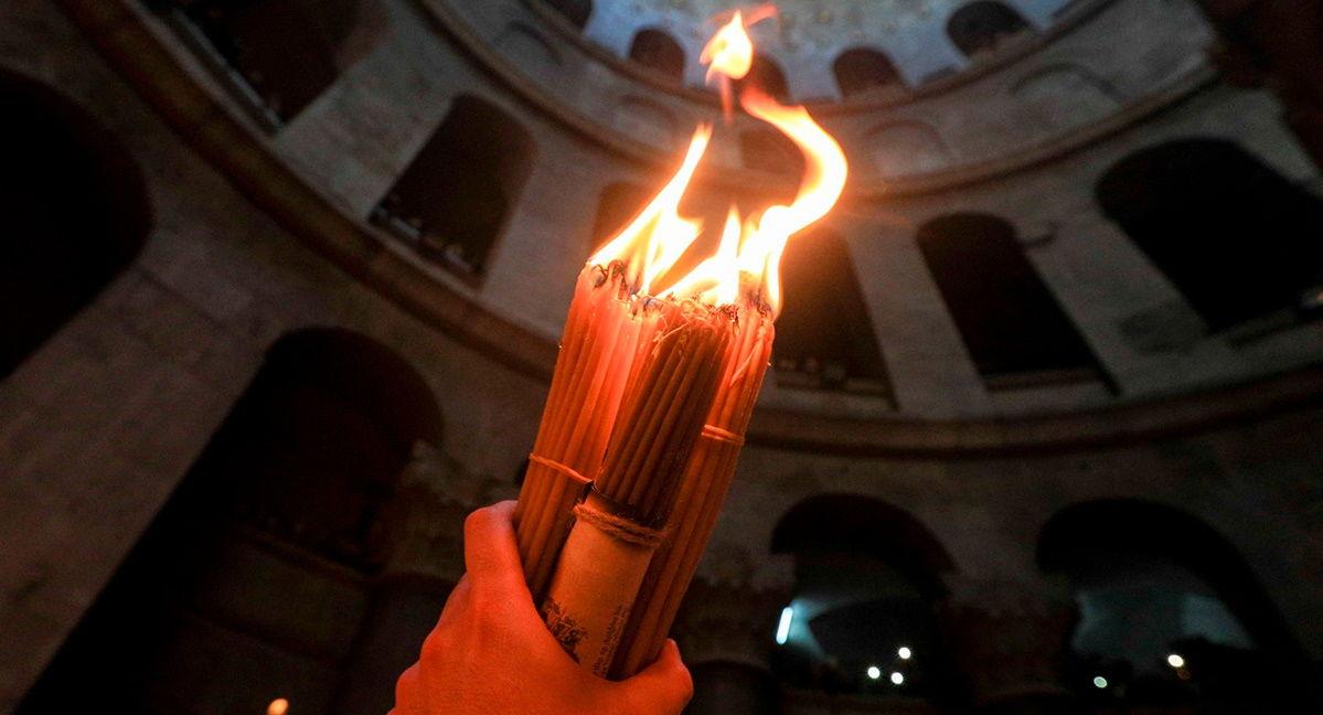 В Иерусалиме проходит церемония схождения Благодатного огня: прямая трансляция